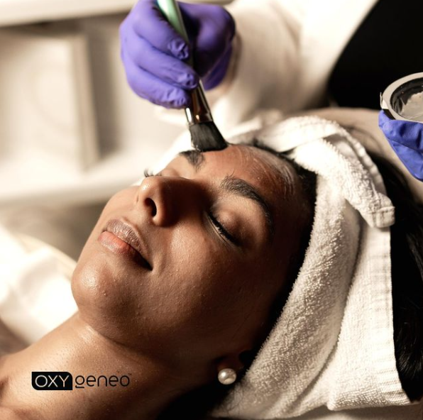 OxyGeneo Facial In Process